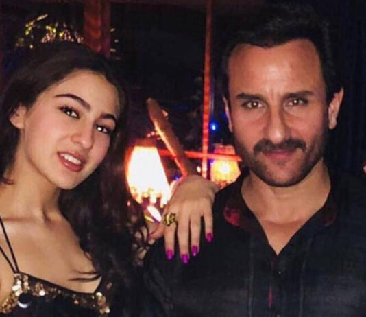 """Sara Ali Khan over de band met haar vader: """"We spreken vaker over Hitler en Stalin dan films en Bollywood"""""""