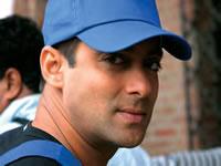 Bollywood - Salman Khan onbeleefd tegen journalist