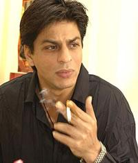Shah Rukh Khan negeert rookverbod