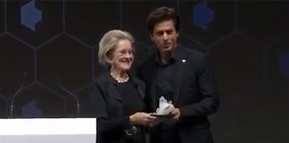 Award voor Shah Rukh Khan tijdens World Economic Forum