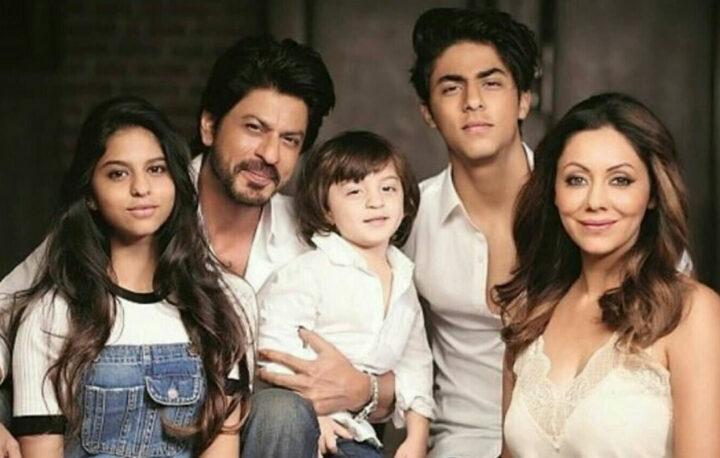 Bollywood acteur Shah Rukh Khan wil dat kinderen eerst studeren